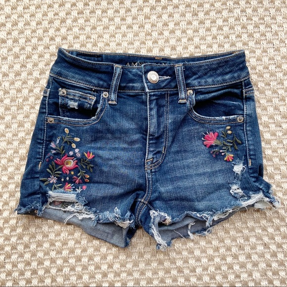 American Eagle Floral Embroidered Hi-Rise Shortie
